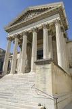 Старый вход здания суда Монпелье во Франции стоковые фотографии rf