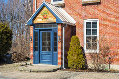 Старый вход дома кирпича Стоковые Фото