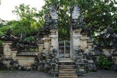 Старый вход раздела виска Uluwatu стоковое изображение