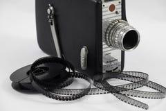 Старый вьюрок киносъемочного аппарата и фильма Стоковые Изображения