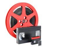 Старый вьюрок фильма, магнитной ленты для видеозаписи и карты памяти стоковые фотографии rf
