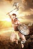 Старый гладиатор/ратник в сражении стоковая фотография