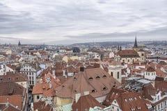 Старый городской пейзаж Праги стоковые фотографии rf