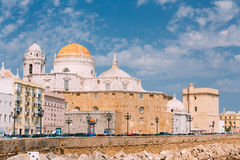 Старый город Кадиса в южной Испании Собор Кадиса и старая Стоковое Изображение