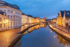 Старый городок в вечере, голубой час, Гент, Бельгия Стоковая Фотография RF