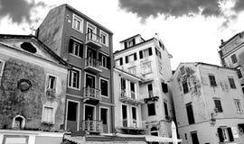 Старый городок в черно-белых тонах Стоковые Изображения RF