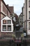 Старый городок Strasburg через реку стоковые фотографии rf