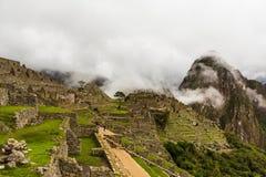 Старый город Inca горы Machu Picchu и Huayna Picchu Стоковые Изображения