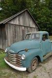 старый грузовой пикап стоковые фотографии rf