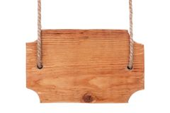 Старый деревянный шильдик светлой древесины, вися на веревочках изолировано Стоковое фото RF