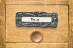 Старый деревянный ящик каталога архивных файлов, архивы данных стоковые фото