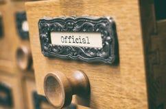 Старый деревянный ящик каталога архивных файлов, официальные файлы стоковая фотография rf
