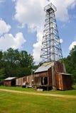 Старый деррик-кран нефтяной скважины на музее нефтяной скважины ` s Drake стоковая фотография