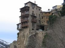 Старый дом с балконами в свободное пространство в Cuenca, Испании Стоковая Фотография RF