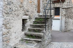 Старый дом с лестницей Стоковая Фотография RF