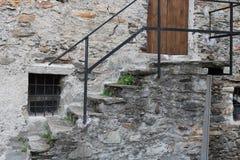Старый дом с лестницей Стоковые Изображения RF
