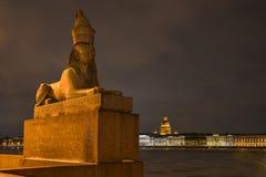 Старый египетский сфинкс на реке Neva Стоковые Фотографии RF