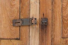 Старый деревянный двери замок ключа не Стоковое Фото