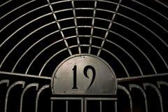 Старый железный строб a с 19 на ем Стоковое Фото