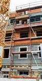 Старый жилой дом восстанавливается Стоковые Фотографии RF