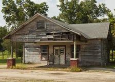 Старый закрытый магазин Стоковые Изображения