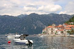Старый залив Perast городка Kotor Стоковые Фото
