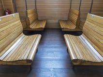 Старый зал ожидания около офиса в железнодорожном вокзале в последнем тысячелетии Стоковое фото RF