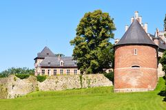Старый замок который был восстанавливан Стоковые Изображения