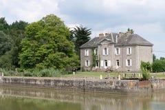 Старый замок на реке Migron стоковые фотографии rf