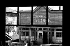 Старый западный магазин со смешанным ассортиментом Стоковая Фотография