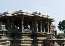 Старый индусский висок на Halebidu, Karnataka, Индии стоковое изображение