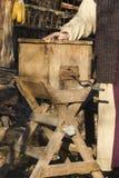 Старый инструмент для того чтобы сделать масло Стоковые Фото