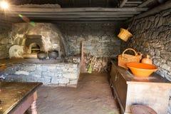 Старый интерьер кухни Стоковая Фотография