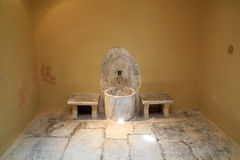 Старый интерьер турецкой ванны тахты на острове Kos в Греции Стоковое фото RF