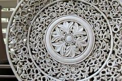 Старый диск гончарни с затейливым филигранным дизайном Стоковые Фото