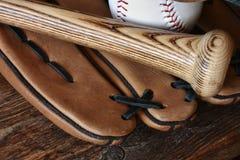 Старый используемый конец оборудования бейсбола вверх Стоковое Изображение
