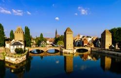 Старый исторический центр страсбурга Башни и briges крепости Стоковое Изображение