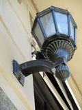 Старый и живописный фонарик на façade углового места Homero Manzi большого предназначенного к Аргентине Буэносу-Айрес Argentin Стоковые Фотографии RF