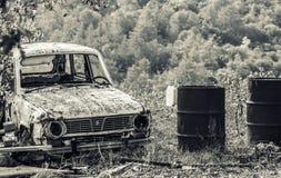 Старый и заржаветый автомобиль. Стоковое Изображение RF
