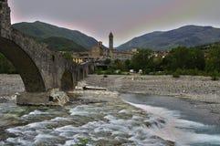 Старый и исторический мост над рекой стоковое фото rf