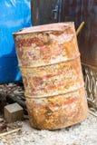 Старый и пакостный танк бочонка масла Стоковое фото RF