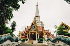 Старый и удаленный тайский монастырь Стоковая Фотография RF