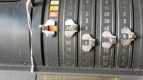 Старый калькулятор Винтажный старый немецкий конец абакуса вверх по взгляду видеоматериал