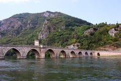 Старый каменный ландшафт Visegrad моста Стоковая Фотография RF