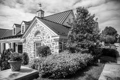 Старый каменный дом - библиотека Стоковые Фотографии RF