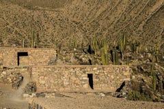 Старый камень расквартировывает пре-колумбийский город Tilcara стоковое фото