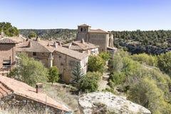 Старый камень сделал дома в городке Calatanazor, Сории, Испании стоковое изображение