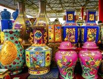 Старый китайский керамический блошинный Пекин Chin Panjuan баков ваз стоковые фото