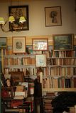 Старый книжный магазин в Лиссабоне Стоковые Изображения RF
