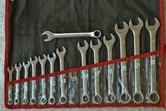 Старый комплект ключей нержавеющей стали, старый se гаечных ключей комбинации Стоковое Фото